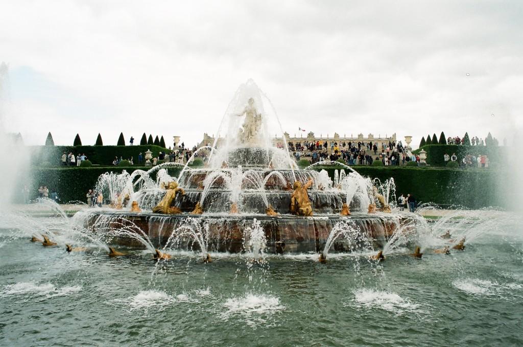 http://touristry.ro/wp-content/uploads/2015/03/87840013-versaille-1024x679.jpg