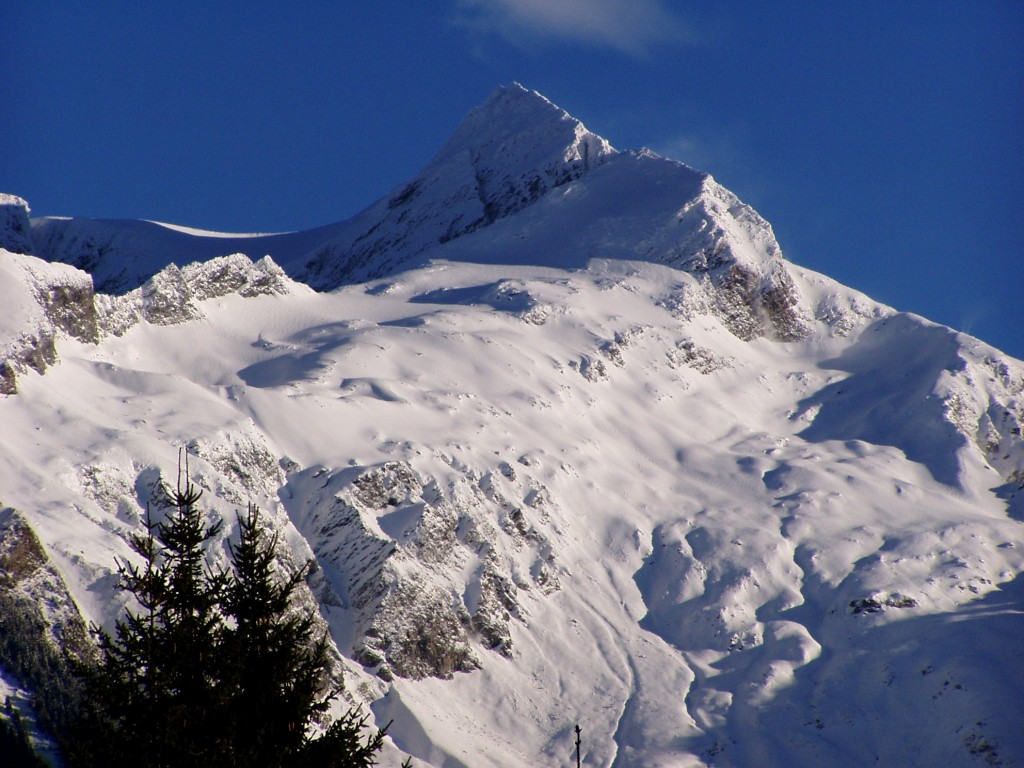 http://touristry.ro/wp-content/uploads/2015/03/Mallnitz-Ankogel-Winter-1024x768.jpg