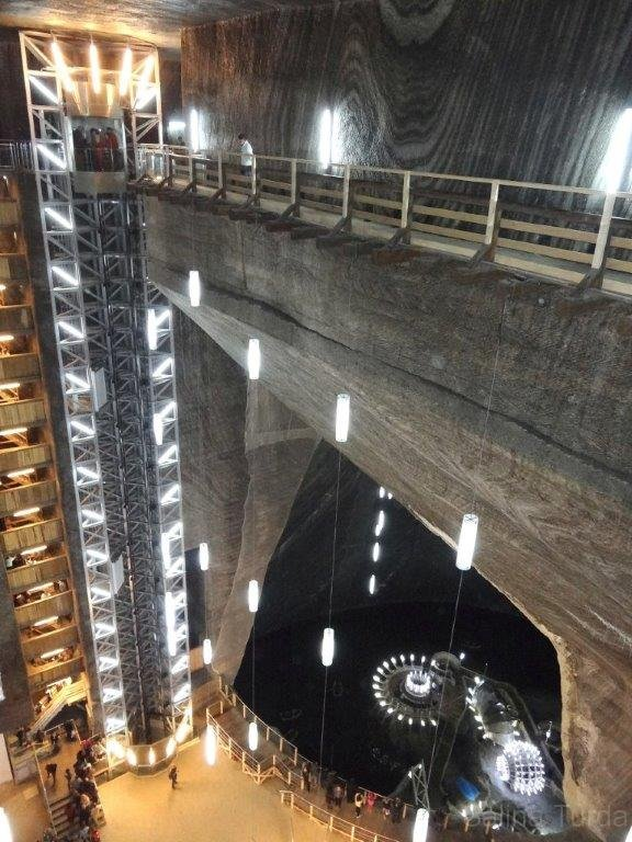 http://touristry.ro/wp-content/uploads/2015/06/7-rudolf-mine-the-panoramic-elevator.jpg
