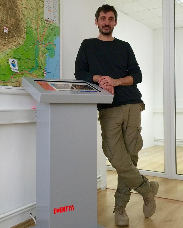 poza-info-kiosk