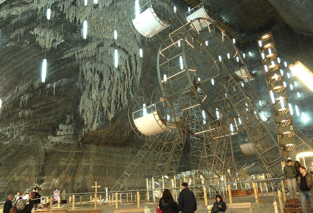 https://touristry.ro/wp-content/uploads/2015/06/4-rudolf-mine-ferris-wheel-1024x699.jpg